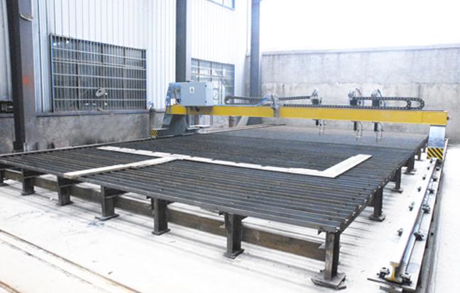 上海沪工16*7米三割嘴龙门数控切割机
